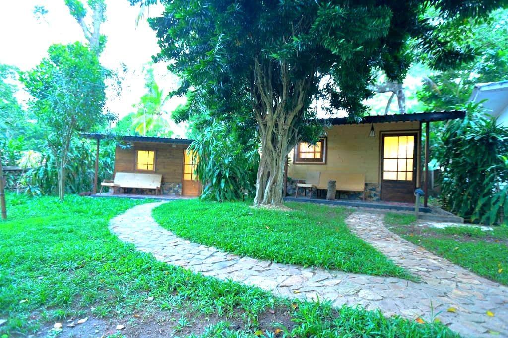 Private Room Cabana in Hikkaduwa - Hikkaduwa - Chalet