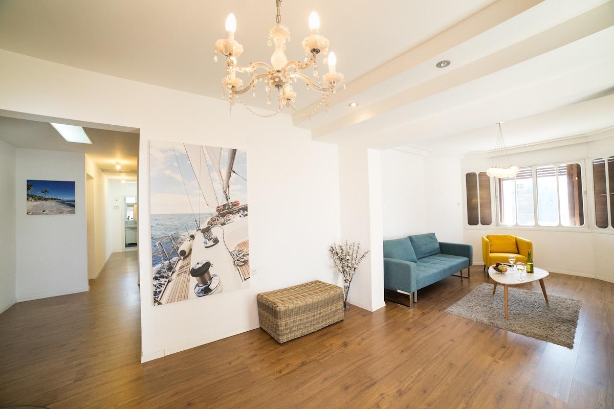 Beach Apartment on Hayarkon street! - Wohnungen zur Miete in Tel ...