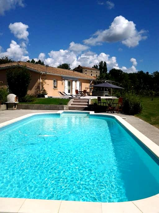 private room  - Castelmoron-sur-Lot - Casa