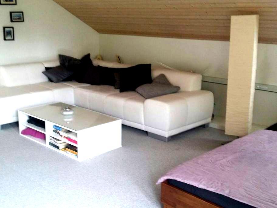 Quiet and cosy little suite - Uznach - Bed & Breakfast