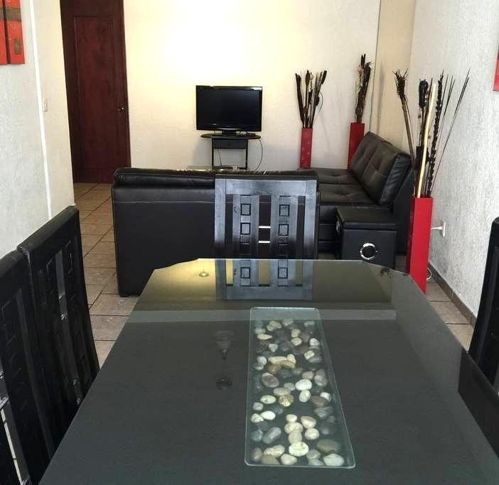 Three Bedroom Full Apartment - Morelia - Byt