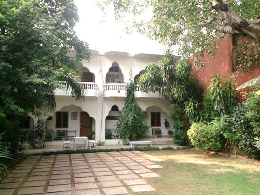 Shahar Palace - The Peacock Garden - Jaipur - Bed & Breakfast