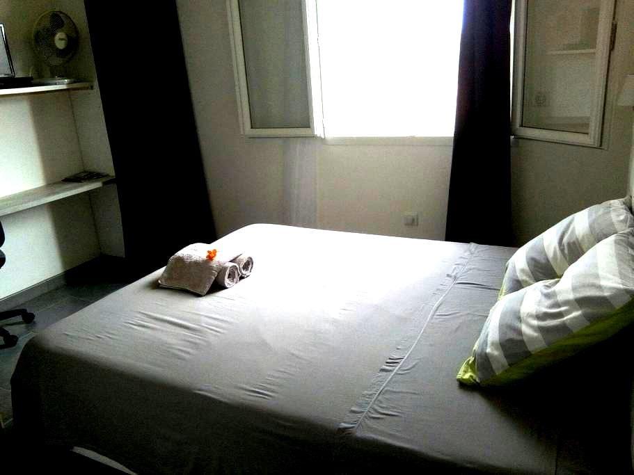 Une chambre tout confort au calme - Ghisonaccia - Casa