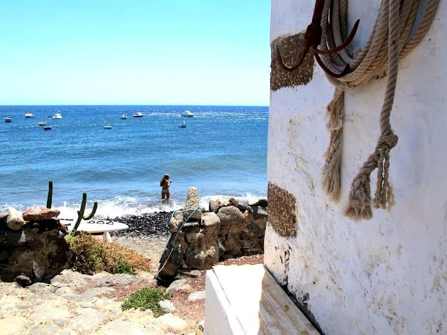 Casa en primera linea de mar - Playa Quemada