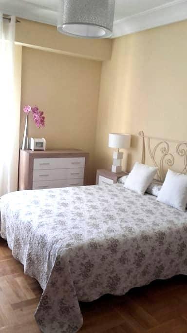 Piso céntrico y amplio en Gran Vía - Logroño - Huis