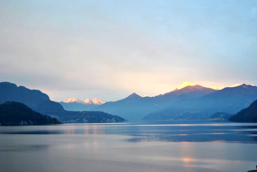 Orange Room magnificent view of Lake Como - Lezzeno - Bed & Breakfast