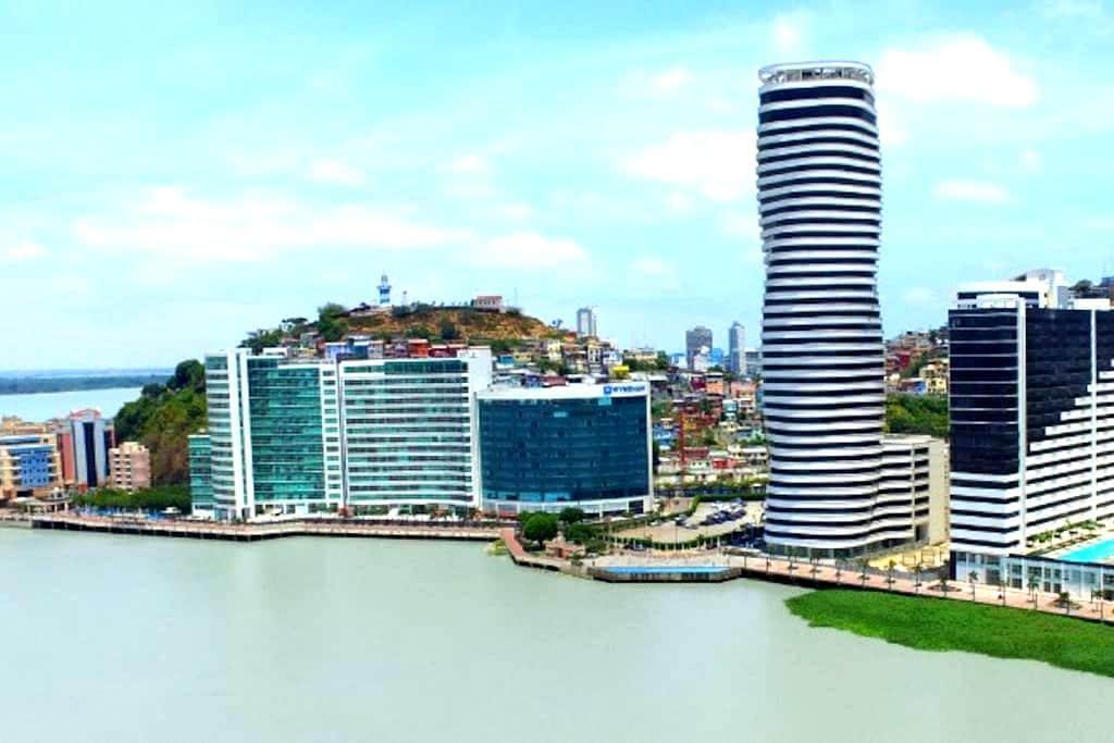 Suite de Lujo amoblada en el mejor sector de Gye. - Guayaquil - Apto. en complejo residencial