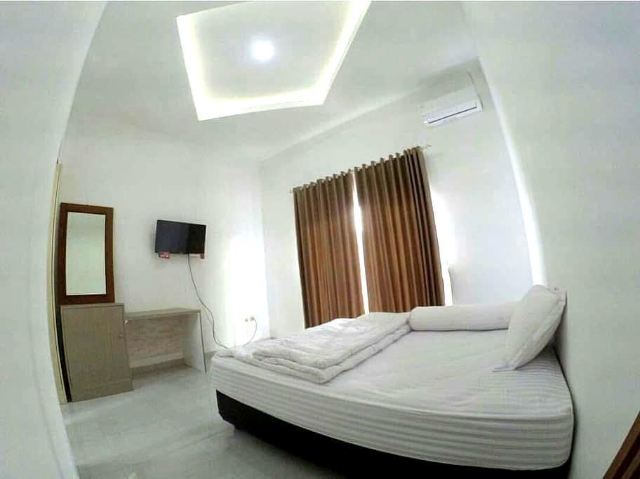 Medical.Kost Exclusive & Budget Guesthouse - Yogyakarta Yogyakarta - Bed & Breakfast