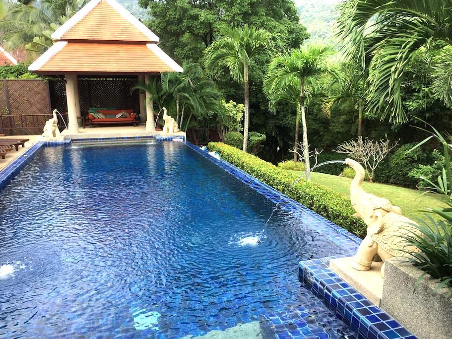 UNIQUE Independent Room in Stunning Villa - Rawai - Huvila