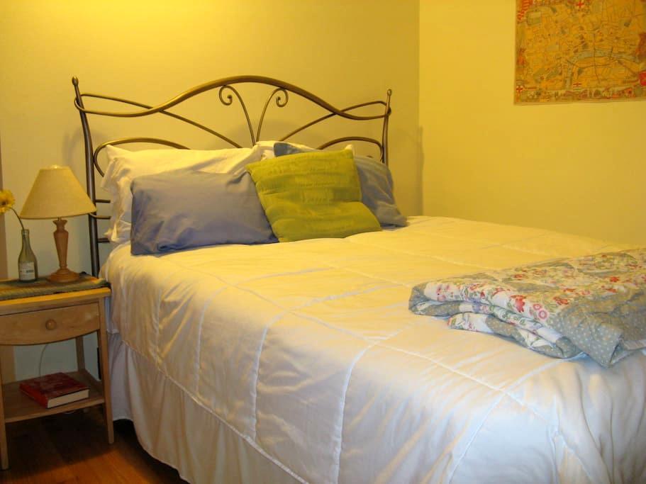 Lovely, freshly renovated room overlooking garden - Bellingham - Hus