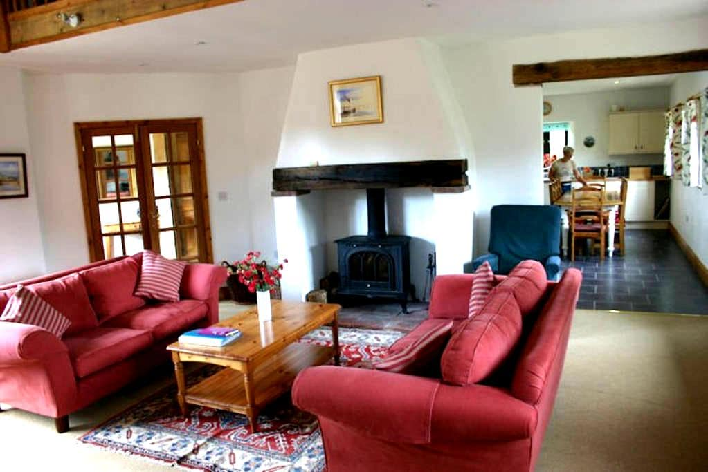 Big family / group self catering Cottage - Wickmere - Appartement