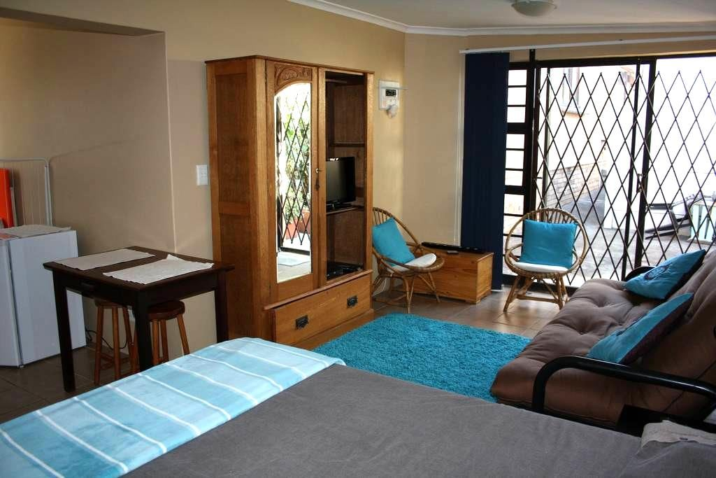 Private Self-catering Bachelor's Apartment - Cidade do Cabo - Apartamento