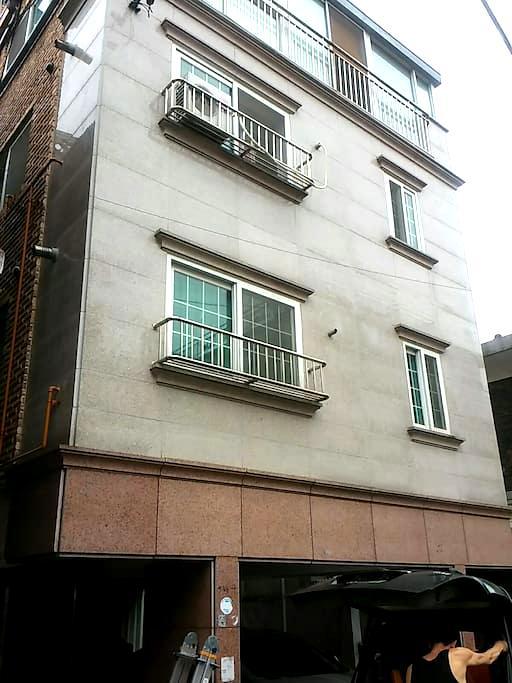 고고스 게스트하우스 입니다-^^ 1인실^^ - 송파구 - Rumah