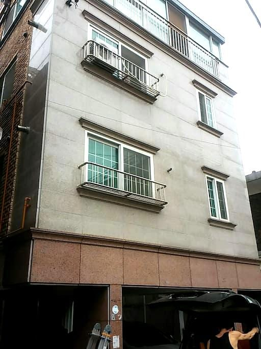 고고스 게스트하우스 입니다-^^ 1인실^^ - 송파구 - Huis