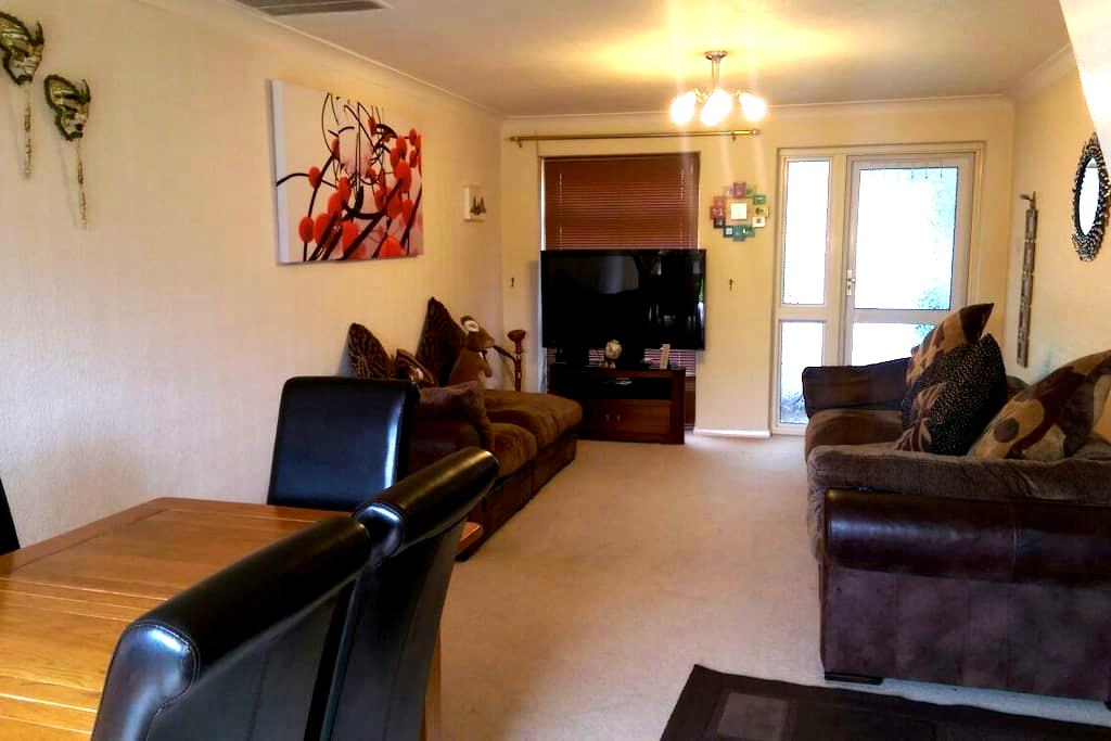 Self Catering mid terrace 3 bed house - Fleet