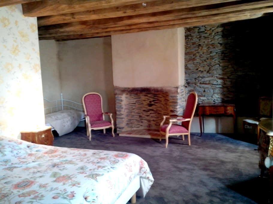 Appoline : Chambre d'hotes + espace Spa et Sauna - Saint-Thélo - B&B