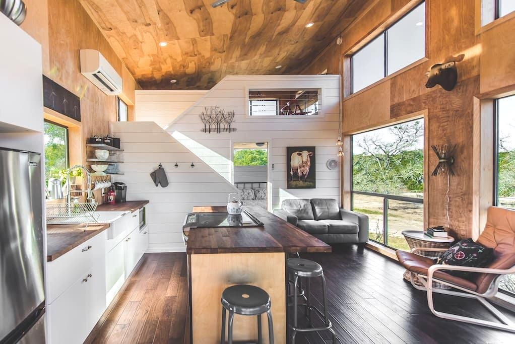 Modern Hill Country Tiny Cabin #1, sleeps 5 - Dripping Springs - Kabin