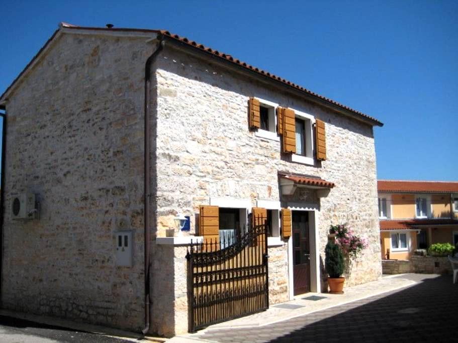Holiday house in village Hreljići - Hreljići