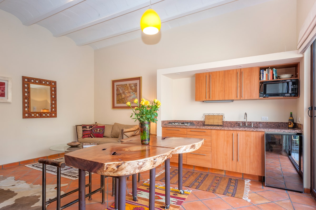Fully equipped  kitchen-4 ring gas stove, fridge, microwave and granite benchtops