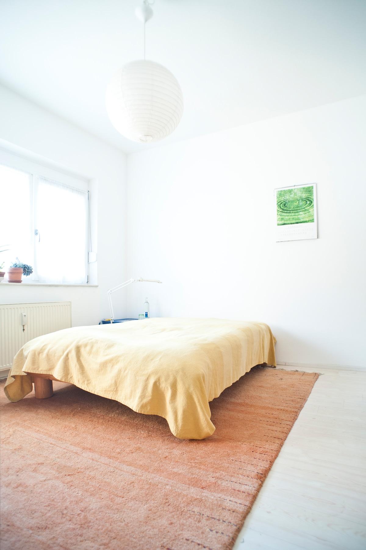 Room with balcony Nordend Frankfurt