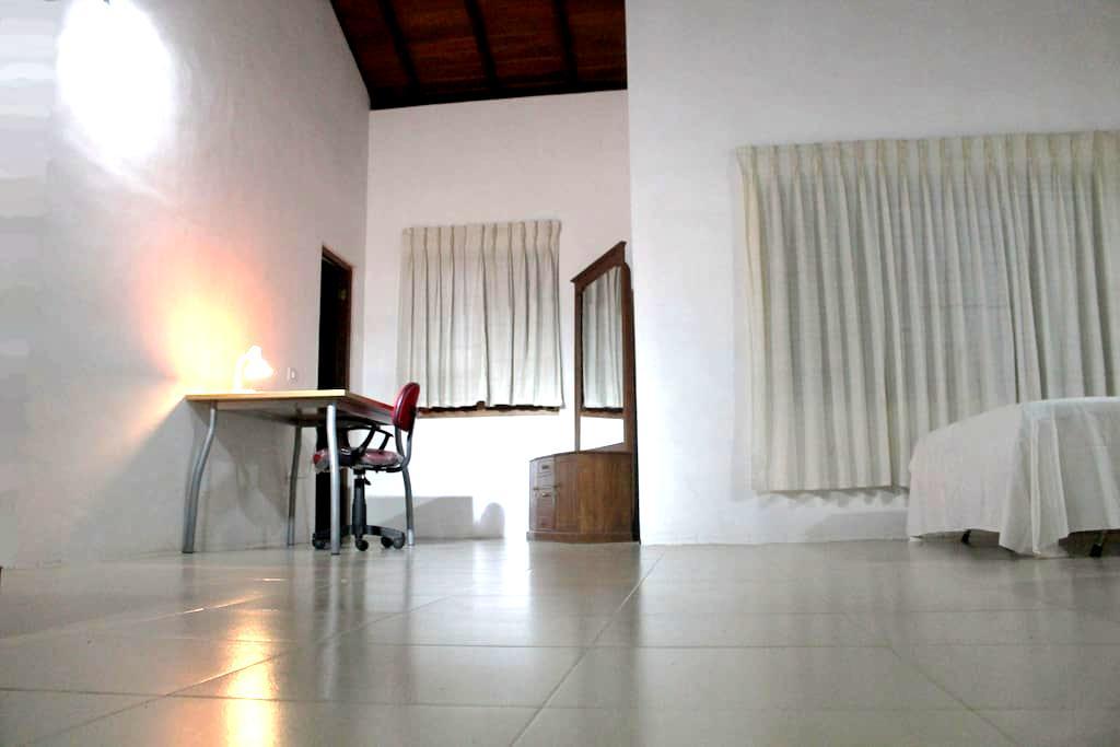 Stanza privata in una casa moderna - Kurunegala - Rumah