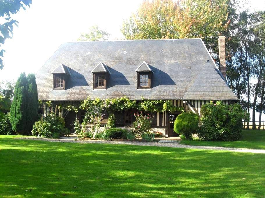 Maison normande au charme bucolique - Berthouville - บ้าน
