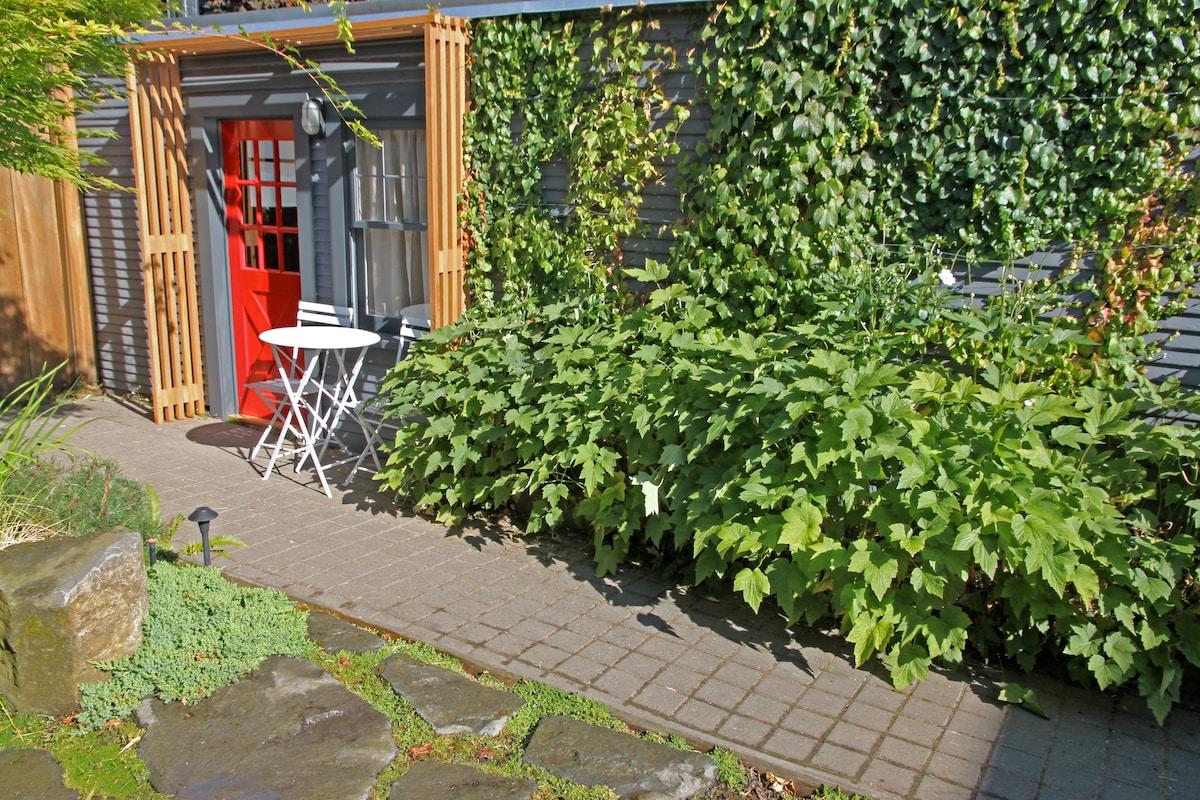 The Kuza Garden Cottage