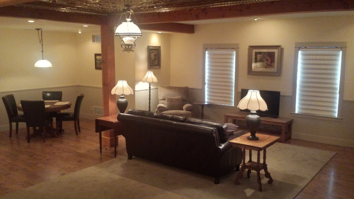 Cow Creek Suite For Two (Or One)