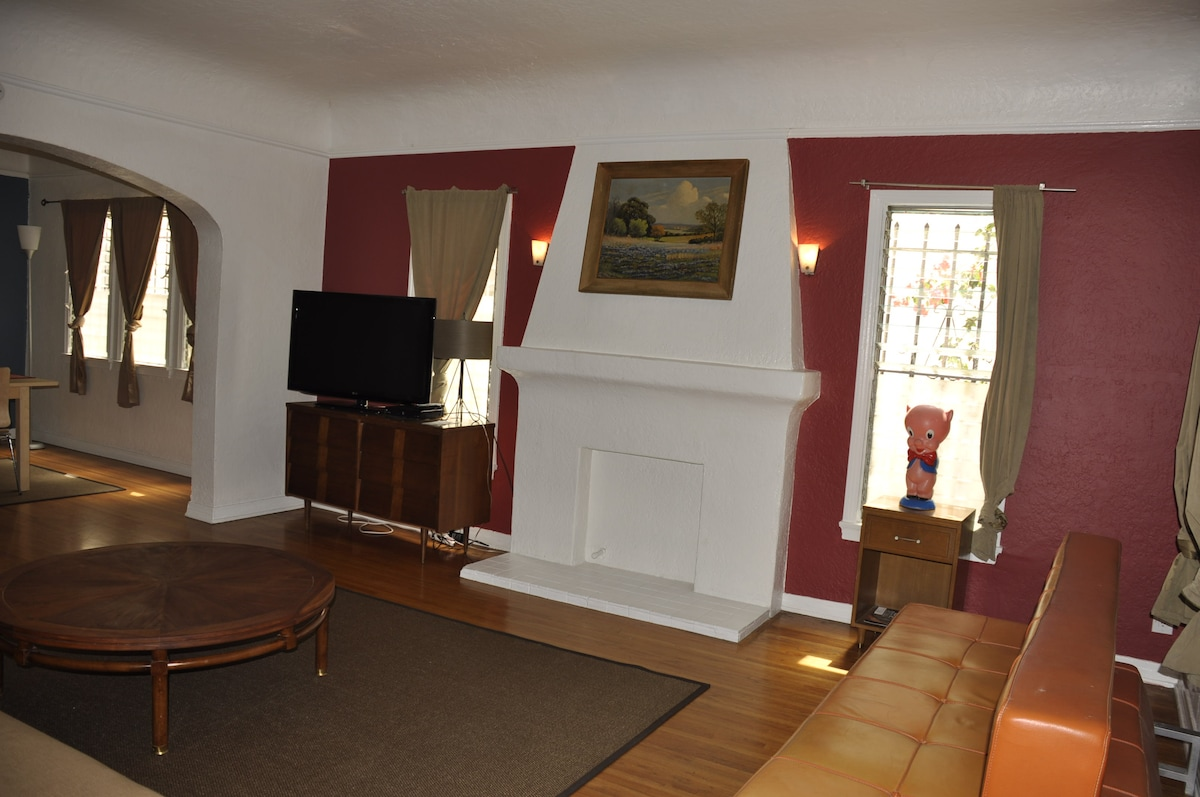 Huge 2BR:Walk to All -Grove/CBS S.D