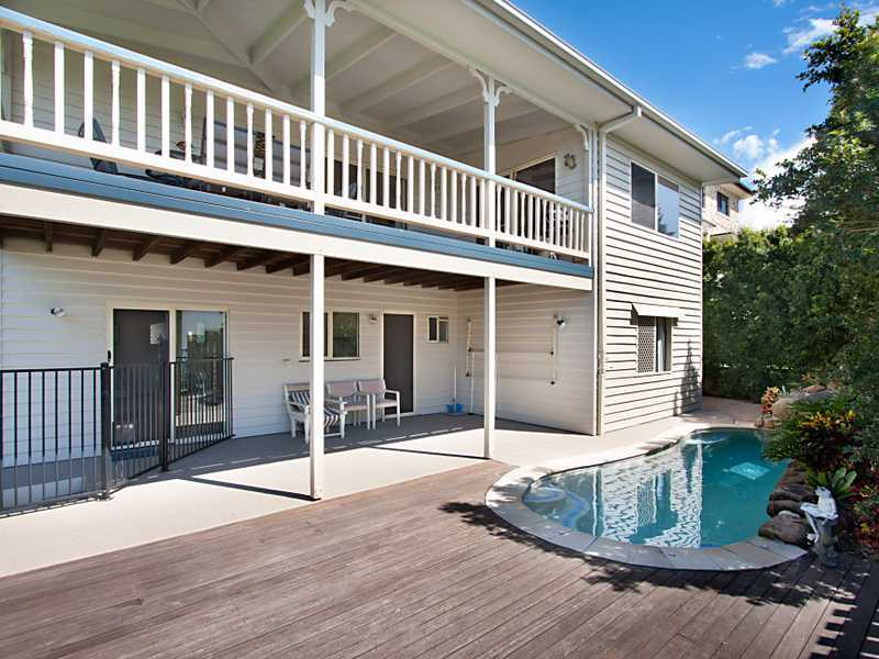 Pet-friendly Coolangatta Beachhouse