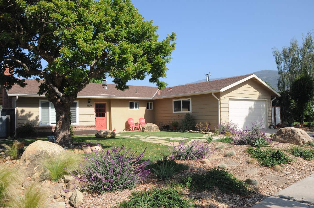 3 bd 2 ba Minutes from the Beach!