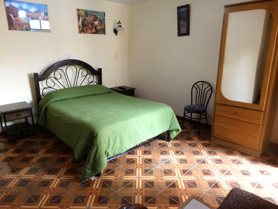 Desayuno, wifi, habitacion privada, Centro de Puno - Puno - Apartamento