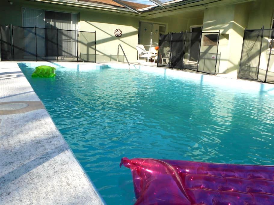 Oh... Sooo Sweet Home!! By UNIVERSAL!! (HULK) - Orlando - Casa
