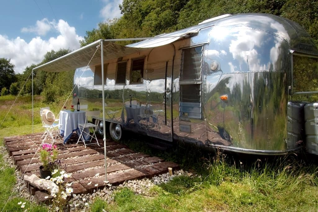 Wildernest - Airstream - Lampeter - Wóz Kempingowy/RV