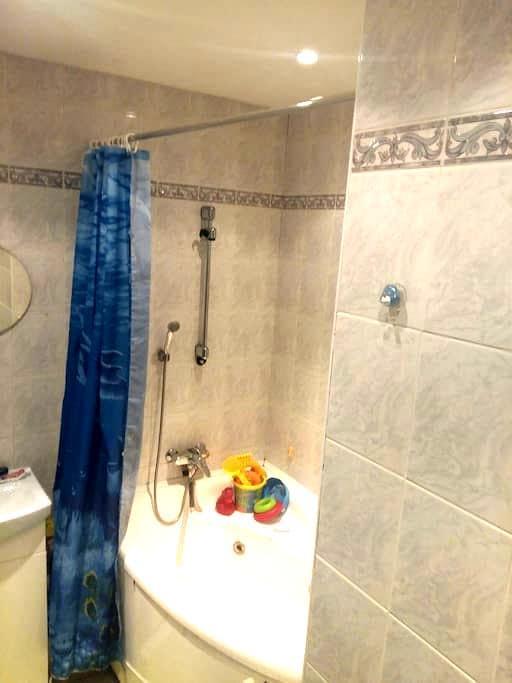 Sunny apartment in West Friendship - West Friendship - Apartemen
