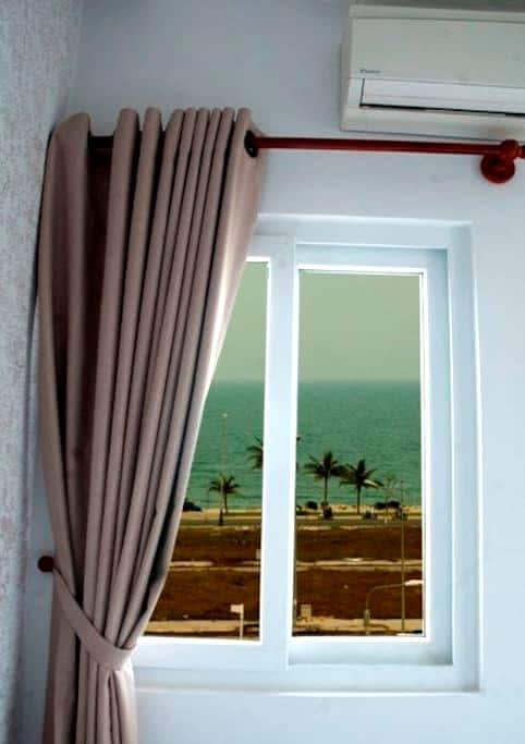 Deluxe Twin Room w. Side Sea View - Da Nang - Inap sarapan