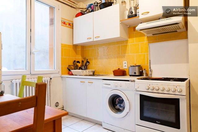 Cuisine équipée, machine à laver le linge, four, frigo plaques de cuisson...
