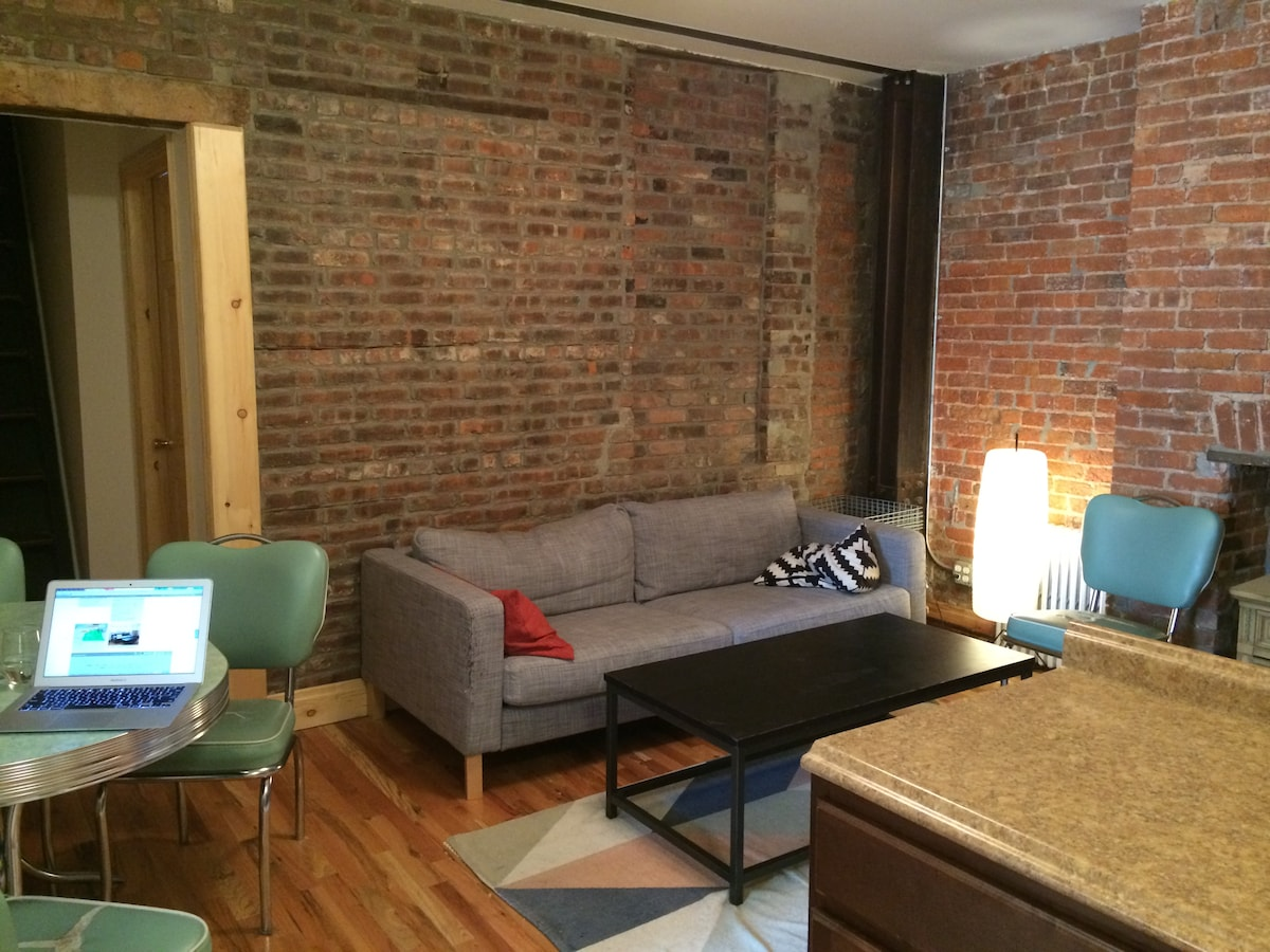 Great room in Greenpoint