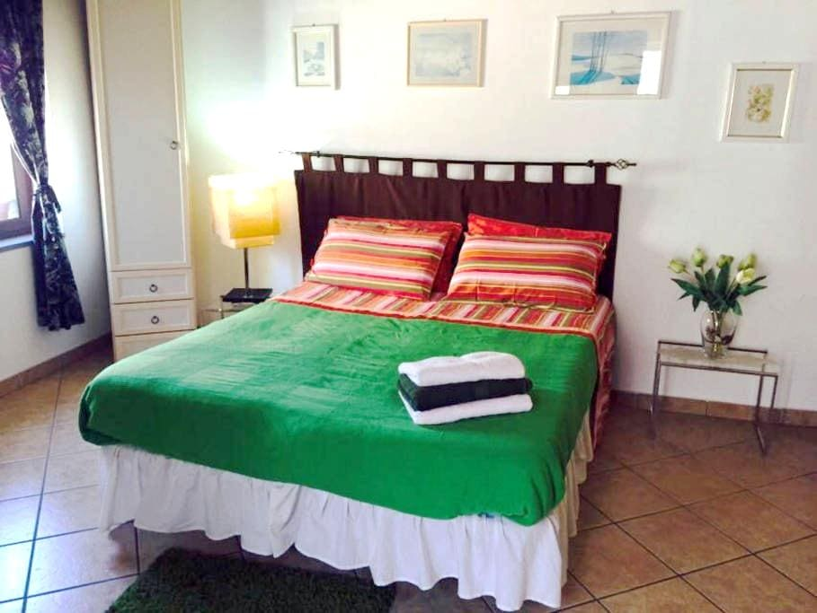 Small apt. in a medieval town - Motta Camastra - Byt