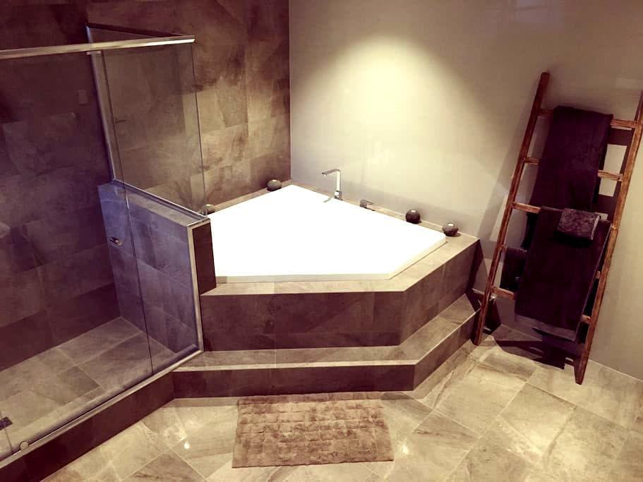 Unique Swan Valley Bed and Bath - Caversham - Dům