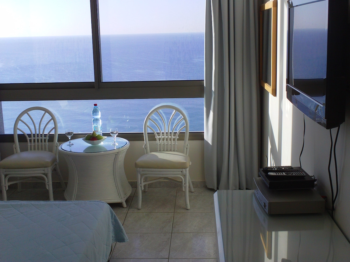 beautiful seaview luxury apartment