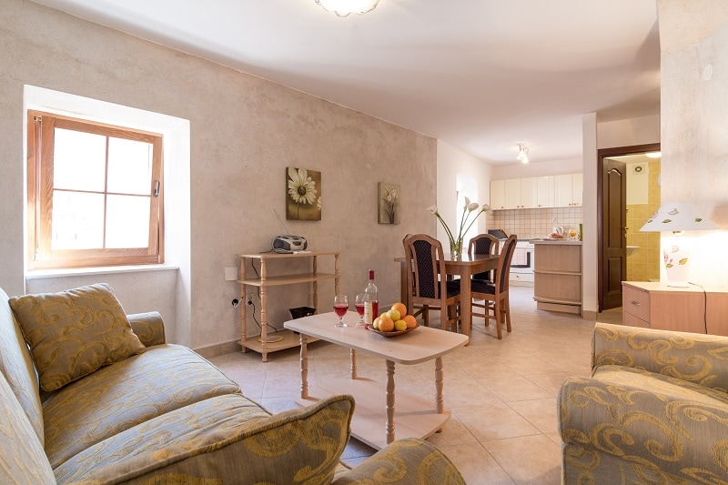 spacious living room with 2 large windows to let the sun flood in to the room. FREE WiFi and Smart TV with Satellite Channels