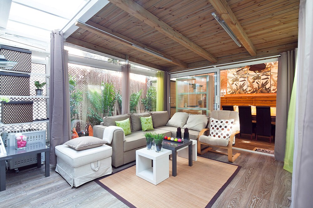Terrace lounge, central, modern