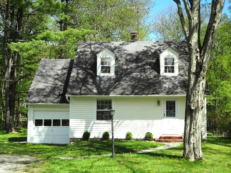 Myrtle Creek Cottage - Garrison - Hus