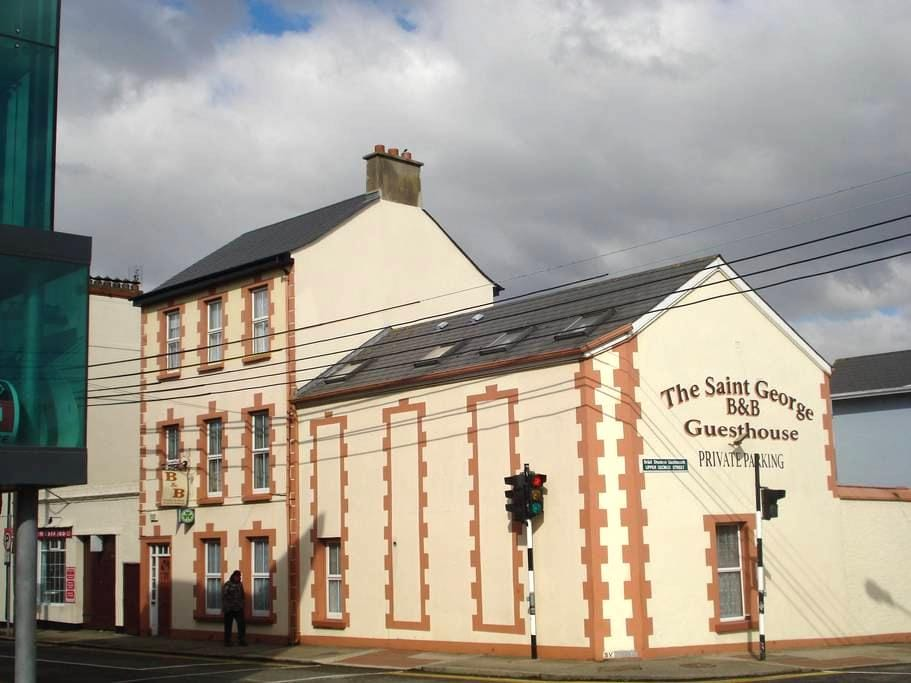 St George Guesthouse, Wexford - Wexford - ที่พักพร้อมอาหารเช้า
