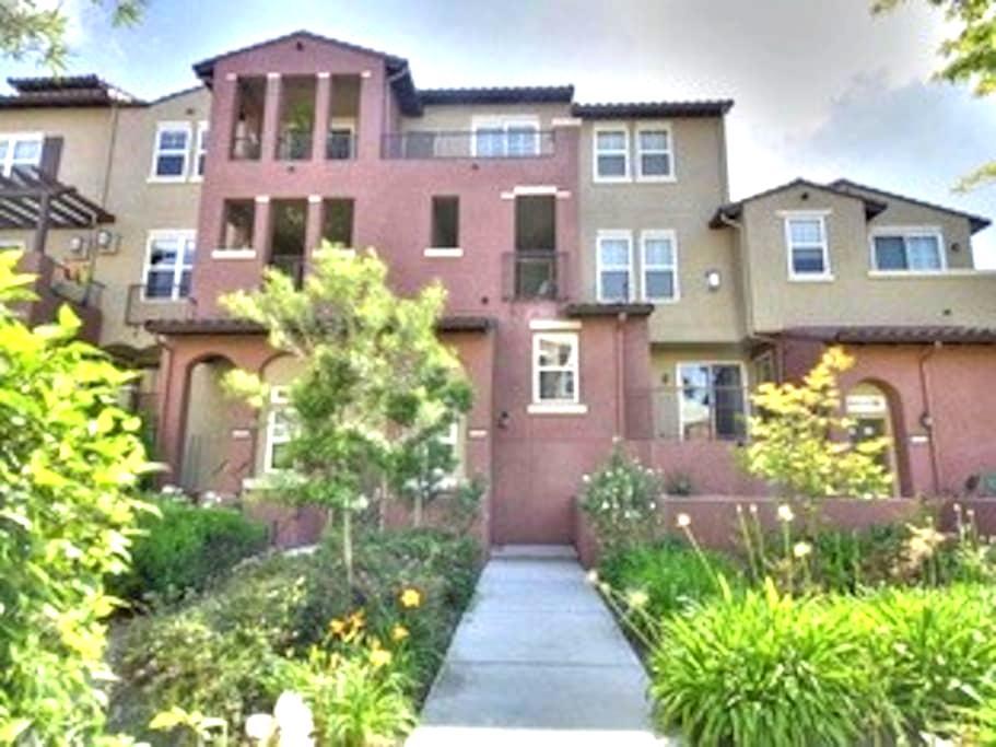 Townhome in Berryessa, San Jose - San Jose