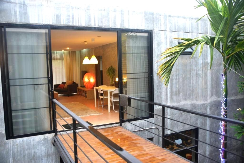 New self-contained, large modern apartment - Chiang Mai - Departamento