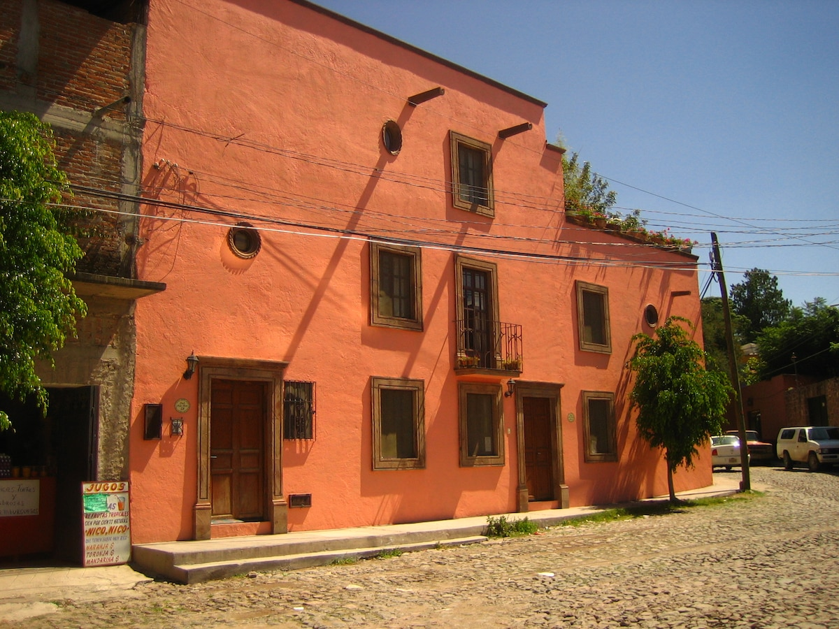 Colonial home in Centro with views