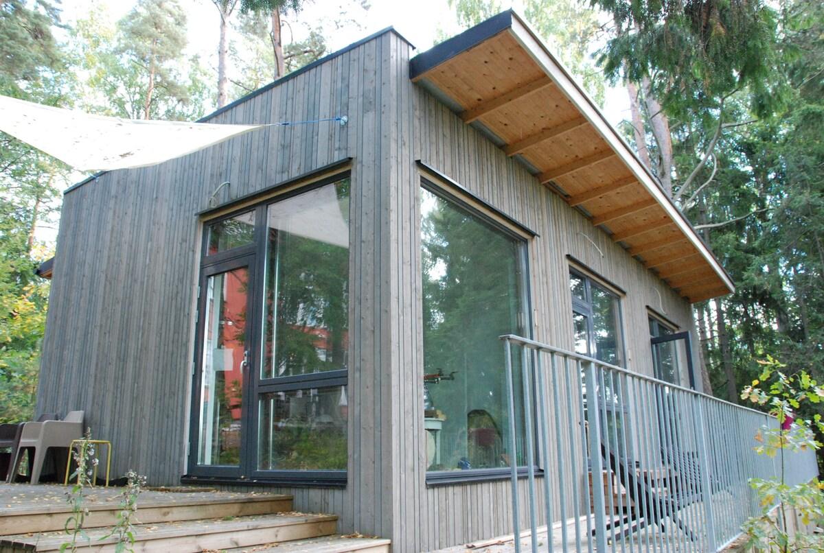 Design studio in garden, West Espoo