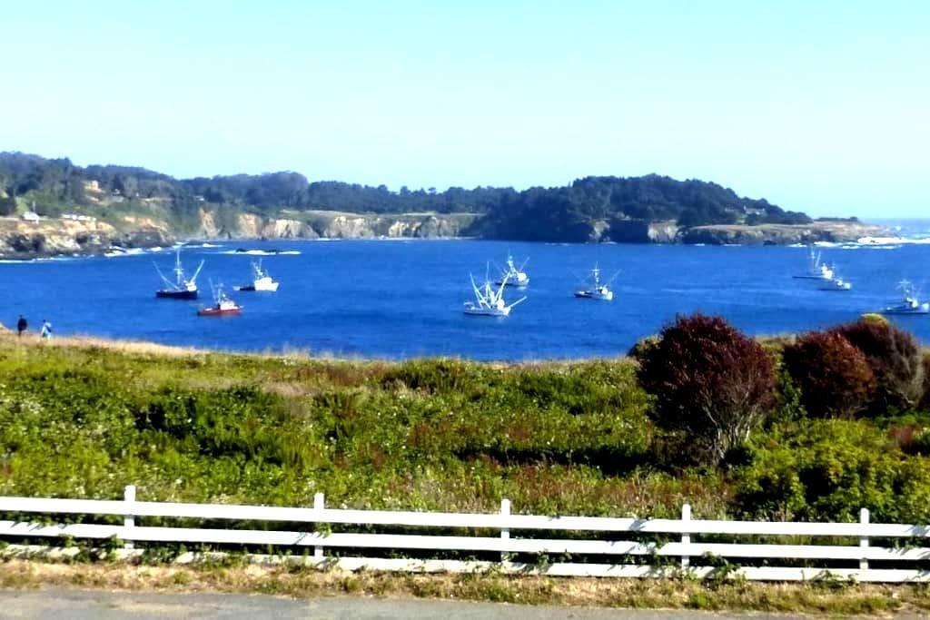 Circa Ocean View Suite - Mendocino